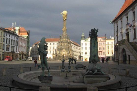 Olomouc - v popředí Arionova kašna